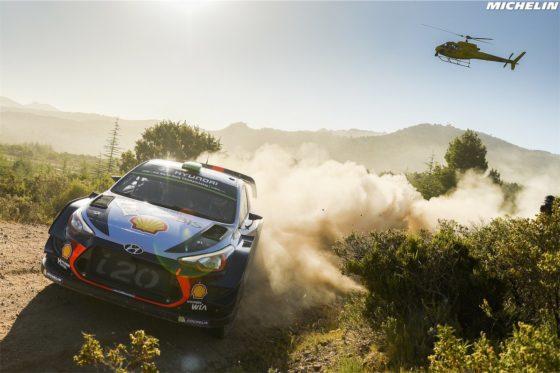 Rally Ιταλίας: O Paddon μπροστά και πίσω χαμός