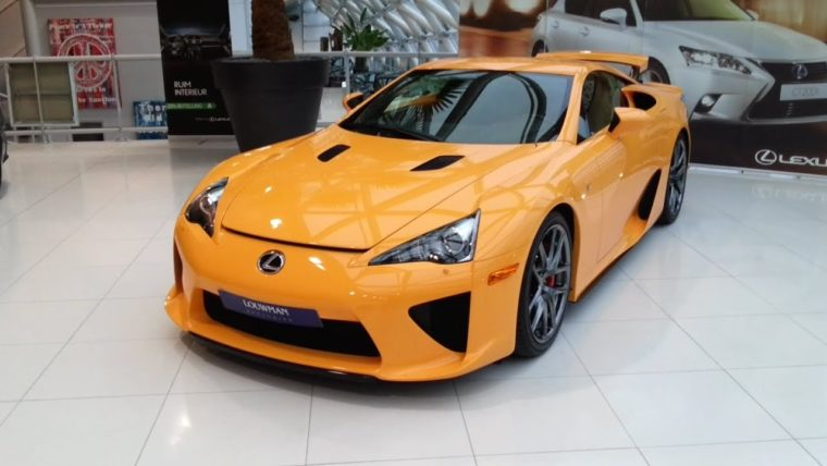 12 Lexus LFA περιμένουν να τις αγοράσεις