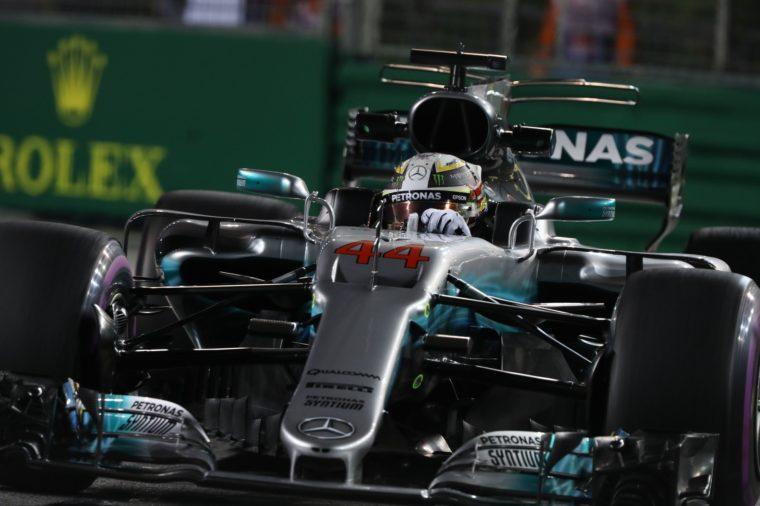 GP Σιγκαπούρης Race: Θρίαμβος για Hamilton και καταστροφή της Ferrari