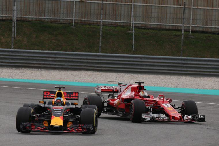 Red Bull: «Θα κερδίζαμε και την Ferrari»