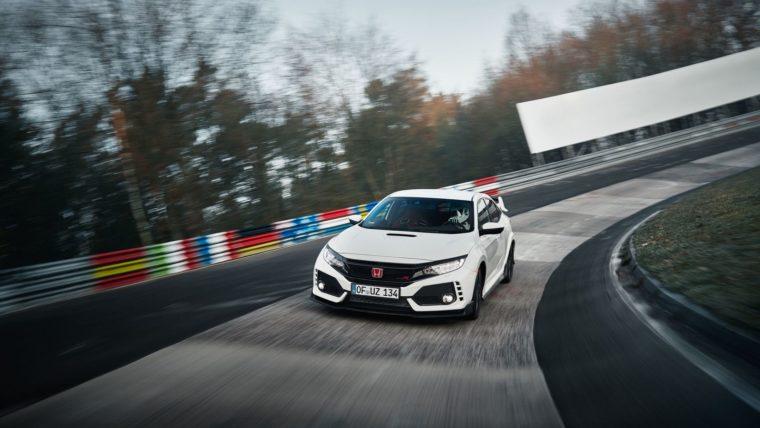 """Δες το Honda Civic Type R να """"δαμάζει"""" το Ring (vid)"""